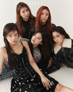 vogue x itzy Kpop Girl Groups, Korean Girl Groups, Kpop Girls, High Fashion Photography, Editorial Photography, Lifestyle Photography, Ulzzang, Vogue Korea, Vogue Spain