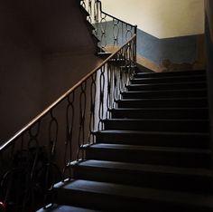 La sede comunale di Via Bovio torna a nuova vita grazie al Palio!   #Castelfiorentino #palio #palazzistorici