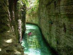Xcaret... mi lugar favorito: Río Subterraneo... Quiero volver ya!