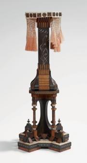 Bugatti carlo (1856-1940) / sellette architecturée en bois noirci, cuivre...