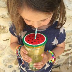 Hou jij ook van de zomer? En vast ook niet van wespen in je glas. Met deze diy met strijkkralen voorkom je dat ze in je drankje belanden. #juf #meloen #strijkkralen