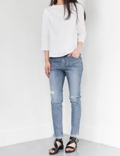 Today's Hot Pick :Destroyed Ankle Cut Jeans http://fashionstylep.com/P0000VHM/vivaglam7/out High quality Korean fashion direct from our design studio in South Korea! We offer competitive pricing and guaranteed quality products. If you have any questions about sizing feel free to contact us any time and we can provide detailed measurements.
