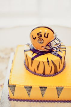 Football Wedding Round-Up: The SEC - Southern Weddings Football Grooms Cake, Football Wedding, Sports Wedding, Football Themes, Cakes For Men, Southern Weddings, Wedding Planning, Wedding Ideas, Celebration Cakes