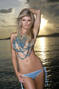 Marisa Miller SMOKING!!!