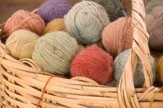 The Knitting Shop (UK): www.knittingwoolandyarnshop.co.uk (Delivery 7€) *Alpaca Dreams, Araucania, Bremont, Cascade, Catherine Earnshaw, Debbie Bliss, Fyberspates, GGH, Louisa Harding, Malabrigo, Millamia, Mirasol, Noro, Opal, Rowan, Schoeller Stahl, Sublime, Twilleys, Wendy, Zitron