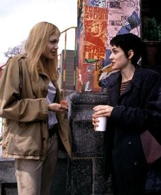 GIRL INTERRUPTED, Angelina Jolie, Winona Ryder on the set, 1999