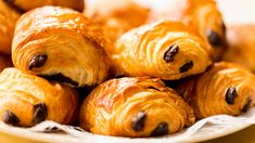 A vos fourneaux ! Chocolate Roll, How To Make Chocolate, Chocolate Chip Cookies, Pisco Sour, Kitchen Recipes, Baking Recipes, Snack Recipes, Snacks, Chefs
