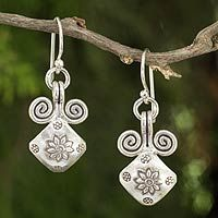 Friendship Art from @NOVICA, They help #artisans succeed worldwide.