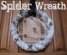 spookify-your-house spider wreath