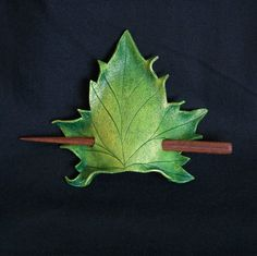 Green Maple Leaf Leather Hair Cup by MythicalDesigns on Etsy Leather Carving, Leather Art, Leather Tooling, Leather Jewelry, Red Leather, Leather Accessories, Hair Accessories, Maple Leaf, Green Cups