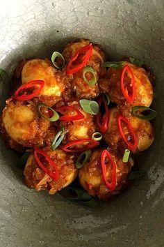 Rendang van eieren – RECEPTEN VOOR THUIS… Tempeh, Tofu, Indian Food Recipes, Asian Recipes, Vegetarian Recipes, Healthy Recipes, Healthy Cooking, Cooking Recipes, Eat Healthy