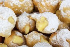 Castagnole (Italian Custard or Chocolate Donut) Italian Donuts, Italian Bakery, Italian Pastries, Italian Desserts, Just Desserts, Italian Recipes, Dessert Recipes, Italian Cookies, Italian Dishes