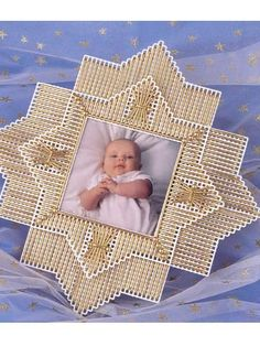 Discover thousands of images about Plastic Canvas - Accessories - Frames - Gilded Star - Plastic Canvas Coasters, Plastic Canvas Ornaments, Plastic Canvas Christmas, Plastic Canvas Crafts, Plastic Canvas Patterns, Canvas Picture Frames, Canvas Frame, Paper Flower Vase, Baby Frame