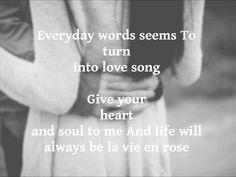 La vie en rose   Daniela Andrade   Lyrics - YouTube