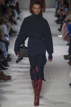 Victoria Beckham Fall 2017 Ready-to-Wear Fashion Show - Naki Depass