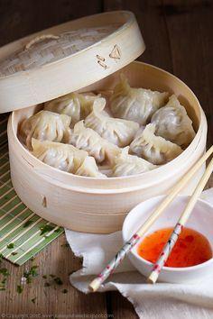 Chinese dim sum - steamed ground pork/beef dumplings (in Polish) Pork Beef, Beef Dumplings, Dim Sum, Pork Recipes, Garlic, Chinese, Polish, Vegetables, Desserts