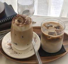 Coffee Shop Aesthetic, Aesthetic Food, Beige Aesthetic, Korean Aesthetic, Aesthetic Images, Coffee Break, Coffee Time, Sweet Coffee, Fresh Meat