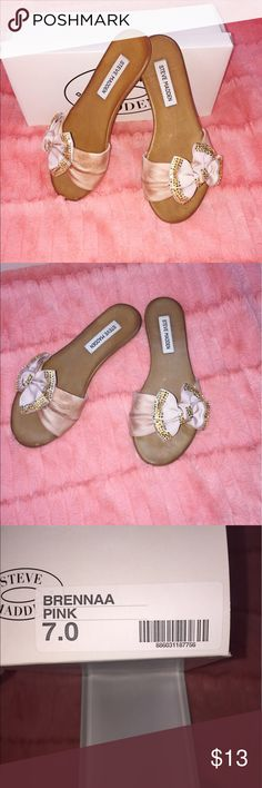 Steve Madden pink flat sandals Bermuda pink bow sandals. Comes with box. Worn once. Steve Madden Shoes Sandals