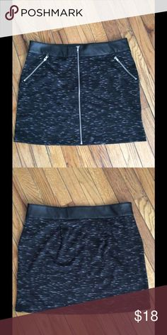 """Black Leather & Knit Zipper Skirt What a cute skirt. Made of a soft study knit and faux leather. It has 2 faux zip pockets. In excellent condition. Measurements: Waist: 35"""", Hips: 46"""", Length: 18"""" Rock & Republic Skirts Mini"""