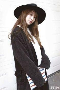 Model, Actress Lee Sung Kyung - YG Press Pop Fashion, Modest Fashion, Fashion Outfits, Korean Street Fashion, Asian Fashion, Korean Actresses, Korean Actors, Lee Sung Kyung Fashion, Girl Korea