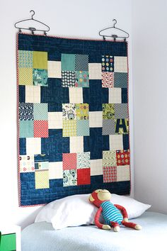 = free pattern = Hanging Wall Quilt by Julie Comstock | Cosmo Cricket