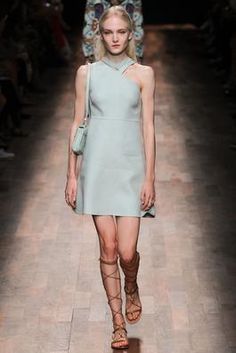 Valentino Spring 2015 Ready-to-Wear Fashion Show: Complete Collection - Style.com