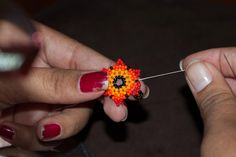 The Bumblebead: Huichol flower Tutorial