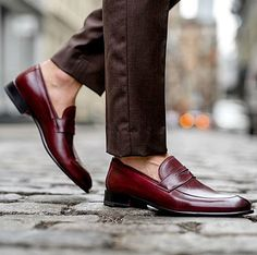 Handcrafted Leather Loafers for Men Mens Leather Loafers, Leather Skin, Loafers Men, Mens Business Casual Shoes, Men's Shoes, Dress Shoes, Gentleman Shoes, Sharp Dressed Man, Penny Loafers