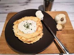 Gluténmentes sajtos palacsinta Waffles, Pancakes, Nutella, Eggs, Breakfast, Food, Morning Coffee, Essen, Waffle
