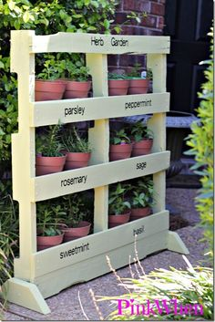 Power of Paint: Pallet Herb Garden from Pink When
