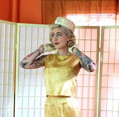 60's Golden Girl Silk Jacquard Set . Pencil Skirt & Boxy Sleeveless Shell . Sleek Jackie O Style . Custom Tailored . Spider Mum Print .