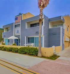 One of the best ocean front condo! http://www.teamaguilar.com/san-diego-ca-homes/3355-ocean-front-walk-f-san-diego-ca-92109-2000091289/