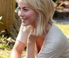 Julianne Hough's hair in Safe Haven, my next haircut!