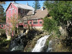 11. Clifton, Clifton is a gorgeous small town. It's home to the historic site of Clifton Mill (pictured), which features a vintage mill, a covered bridge, a 1940s-era gas station and a quaint American restaurant.