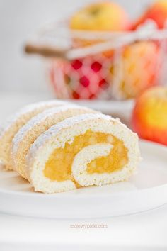 Biscuit roulade with apples Healthy Cheesecake, Healthy Cake Recipes, Cheesecake Recipes, Polish Recipes, Baking Tips, Vanilla Cake, Baked Goods, Nutella, Cooking Recipes