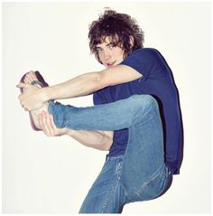 Andrew VanWyngarden wants to show everyone his flip flops.