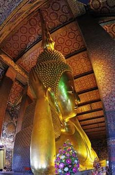 Private Bangkok Tour: Temples incl. Reclining Buddha at Wat Pho 2018 Private Bangkok Tour: Temples incl. Reclining Buddha at Wat Pho Thailand is driven by Buddhist faith and some 26,000 wats dot the landscapes of thissoutheast Asian nation. Take a private tour of... #Event #Culture  #Tour #Backpackers #Tickets #Entertainment