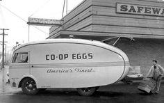 Egg shape egg delivery truck