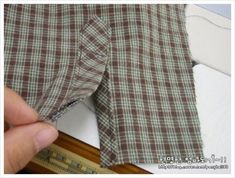 셔츠, 남방류 소매 삼각덧단 만들기 : 네이버 블로그 Sewing Hacks, Clothing Patterns, Patterned Shorts, Good To Know, Womens Fashion, Mens Tops, Shirts, Clothes, Sewing Tips