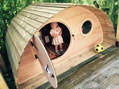 Hobbit house hidey hole garden den by Mudputty.co.uk