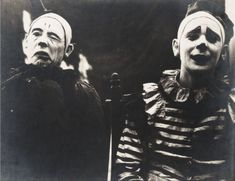 """Two early Ringling Brothers' circus clowns, whose photographs appeared in the 'Ringling Annual' under a section titled 'Last of the Old-Time Clowns'. What do you call that clown phobia again? Cirque Vintage, Vintage Circus Photos, Vintage Clown, Photo Vintage, Vintage Photographs, Creepy Vintage, Vintage Carnival, Vintage Halloween, Creepy Circus"