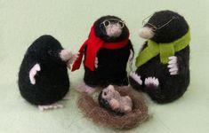 Mole Family Needle Felt Kit - makes father, mother, child and baby mole. Needle Felting Kits, Needle Felted Animals, Felt Animals, Baby Mole, Felted Wool Crafts, Red Squirrel, Black Wool, Wool Felt, Fiber Art