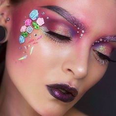 This ethereal look from @moahedstroms is just beautiful. This features @limecrimemakeup Venus palettes. #beauty #makeup #venus http://ift.tt/2cuXwpM
