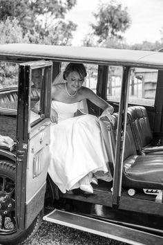 Vintage car bridal photography at Cripps Barn