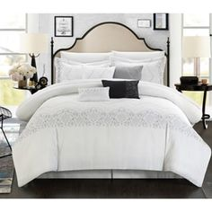 Add simple elegance to your space with the Sandy Embroidered Bridal Collection 3 Piece Duvet Set by Chic Home . This duvet set allows you to transform. King Duvet, Queen Duvet, Bed Sets, Comforter Sets, Contemporary Duvet Covers, Camas King, Polyester Material, Bed In A Bag, Vintage Stil