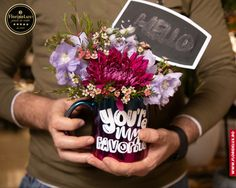 Dragilor, stiati ca astazi, 21 Noiembrie, este Ziua Mondiala a Salutului? FlorideLux sustine aceasta zi care ne incurajeaza la comunicare si intelegere intre oameni! 🤝 🙏🏼 🤝 #floridelux #handshakingday #flowers #flowersofinstagram #alaturidetine