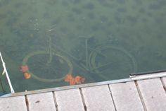 fahrrad im see