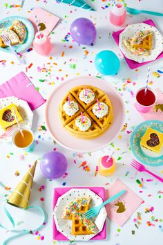 60 Ideas birthday breakfast party kids waffle bar for 2019 Birthday Morning, Birthday Breakfast, Unicorn Birthday Parties, Girl Birthday, Party Deco, Party Mottos, A Little Party, Festa Party, Pastel Cupcakes