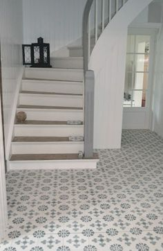 Cement tiles are perfect for the hall or kitchen / Sementtilaatat sopivat täydellisesti eteiseen ja keittiöön! http://www.domusclassica.com/tuote/sementtilaatta-kuvioitu-hollantilainen/617-010-12/