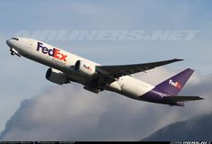 Boeing 777-FS2 aircraft picture